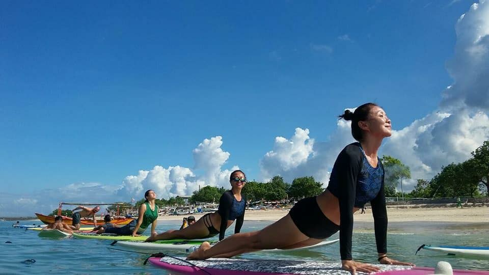 SUP yoga - The Yoga Rescue